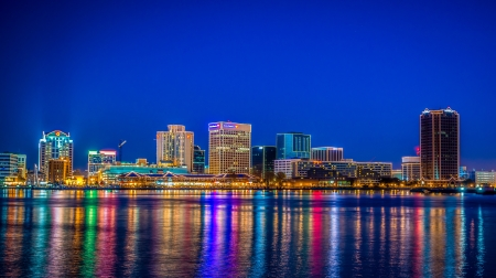 Norfolk Virginia Christmas Lights Skyline Редакционное