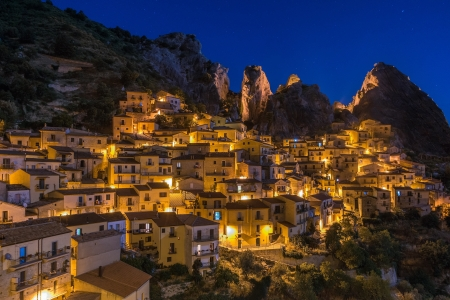 Castelmezzano at night Фото со стока