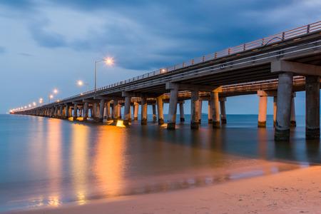 The Chesapeake Bay Bridge as seen at Twilight on the Virginia Beach side of the Chesapeake Bay. Reklamní fotografie