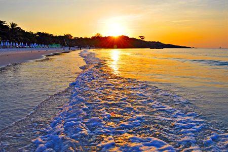 koh samet: sunrise on koh samet