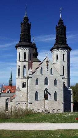 A glimpse of the exterior of the ancient cathedral immediately outside the old town of Visby in Gotland in Sweden 스톡 콘텐츠
