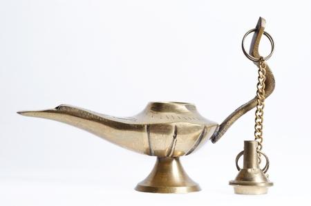r image: Ancient ornamental peque�o vaso de agua en el fondo blanco