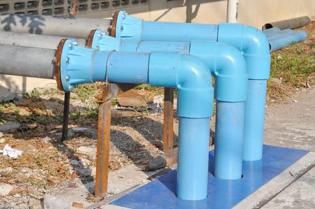 물 사용을위한 파란색 PVC 파이프 연결