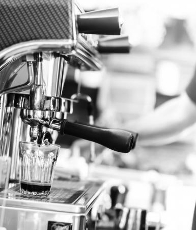 espresso, extractie uit koffiezetapparaat