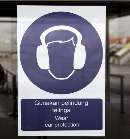 ear protection: pictogram of ear protection