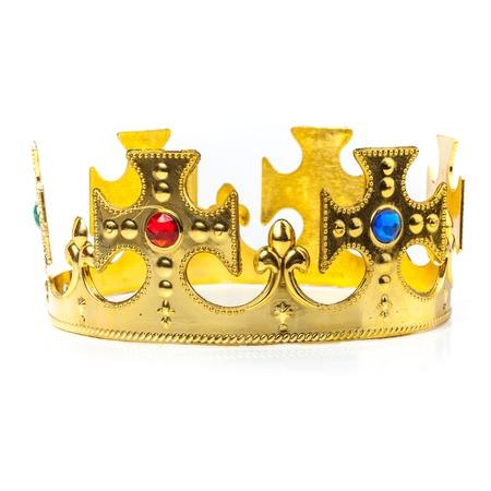 corona rey: Corona de oro aislado en el blanco