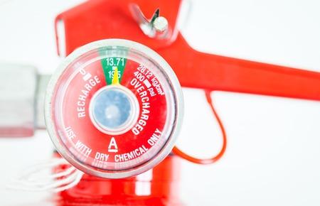 Rode brandblussers in brand noodgevallen. Stockfoto