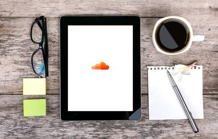Chiang Mai, Thailand Fab 25, 2015: SoundCloud online-platform en de site om gedigitaliseerde audio-informatie en het hebben van de functies van een sociaal netwerk te verspreiden.