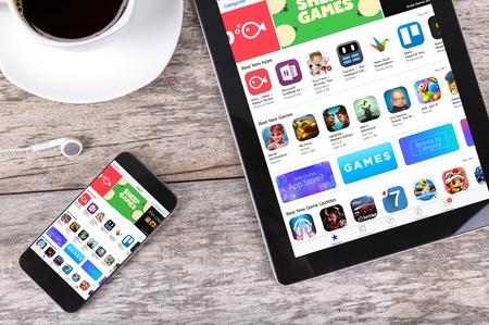 치앙마이, 태국 Fab 25, 2015 : Apple iPad Air의 Apple 애플리케이션 스토어. 2008 년 애플은 타사 앱 개발 및 배포를 소개하는 App Store를 시작했습니다.