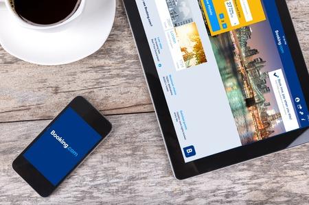 Chiang Mai, Thailand Fab 25, 2015: Booking.com het systeem online hotelreserveringen. Is opgericht in Amsterdam in 1996. Redactioneel