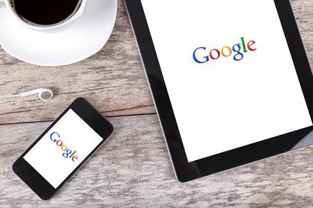 Chiang Mai, Thailand Fab 25, 2015: Google is een Amerikaanse multinational die gespecialiseerd is in internet-gerelateerde diensten en producten. Het grootste deel van zijn winst zijn afgeleid van AdWord