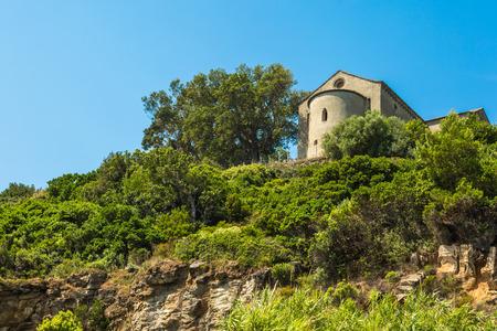 corse: The chapel of Santa Catalina on the west coast of Cap Corse near Sisco in Corsica Stock Photo