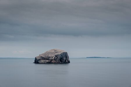 The lighthouse on Bass Rock in the Firth of Forth near North Berwick on the east coast of Scotland Banco de Imagens