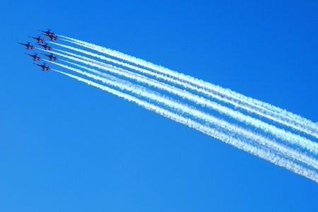 airplanes on the blue sky (very nice fly effect) Stock Photo - 10963833