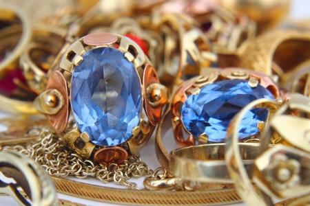 joyas de oro: joyas de oro como fondo de lujo muy bonito Foto de archivo