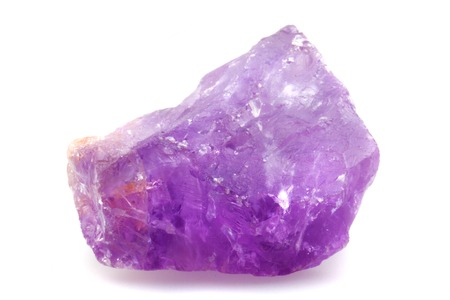 violet amethyst mineral isolated on the white background Banque d'images
