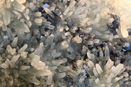 oscillations: white crystal in the lead as nice natural background