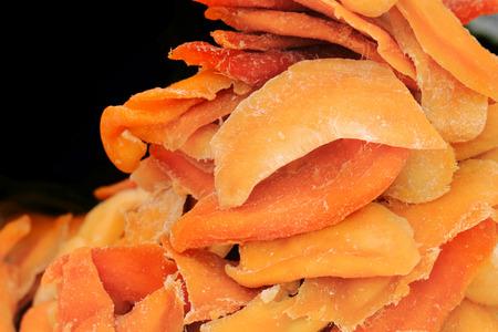 alimentacion natural: fruta mango seco como fondo alimento natural