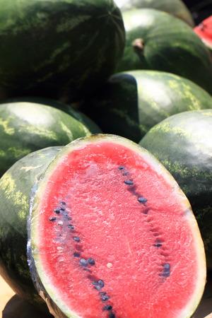 alimentacion natural: sand�a roja como fondo alimento natural Foto de archivo