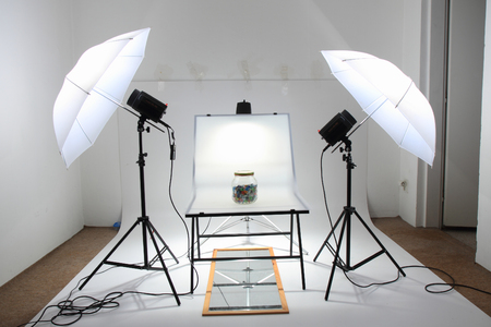 small easy photo studio with two lights