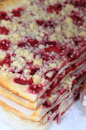 nice food: красной смородины торт, как приятный фон еды Фото со стока