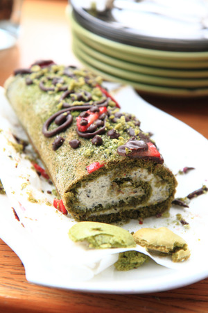 nice food: фисташковый рулет десерт, как очень хороший фон еды
