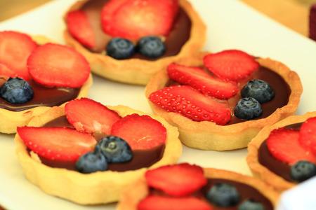 nice food: свежая клубника десерт, как очень хороший фон еды Фото со стока