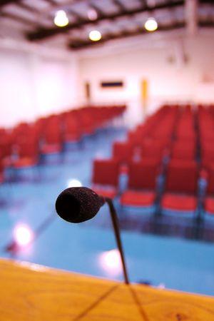 hablar en publico: Mic en auditorio
