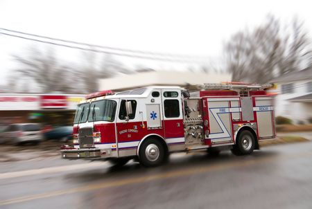camion pompier: Fire it' camion sur la fa�on de lutter contre un incendie.