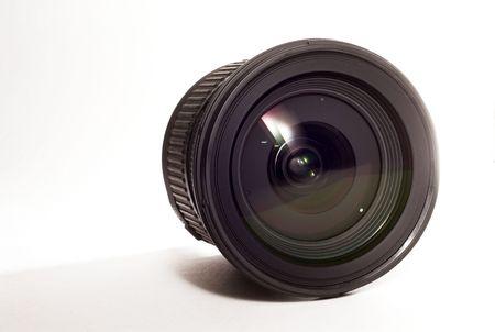 白のカメラのレンズは、背景を分離しました。