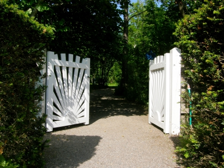 and gate: White garden gate Stock Photo