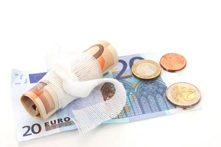 under fire: El euro est� bajo fuego y se investig� a fondo Foto de archivo