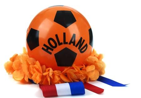 Diverse attributen als fan leuk te gebruiken materialen bij de Nederlandse voetbalwedstrijden