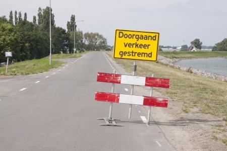 markermeer: Redirection board on the Zuiderdijk