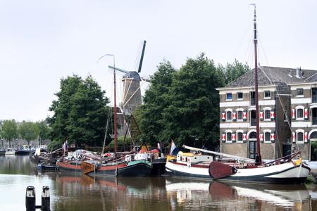 Netherlands,Zuid-Holland,Gouda, june 2016: Mallegatssluis a sluice in Gouda Редакционное
