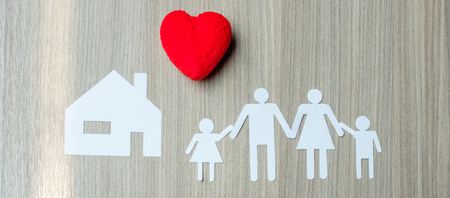Red heart, Family and House. Healthcare and Insurance concept Standard-Bild - 105450818
