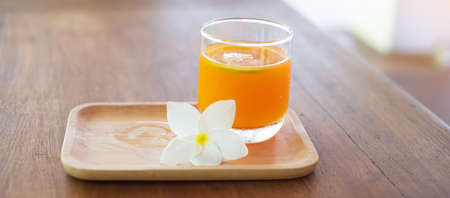 Fresh ice Orange juice in the luxury hotel, welcome drink for guests Imagens