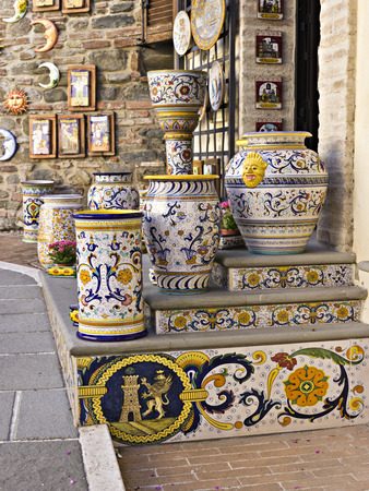 Traditionele keramiek atelier in het dorp Deruta, Italië Stockfoto