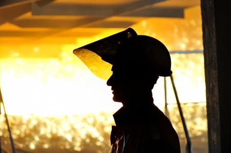 molted: trabajador con acero caliente