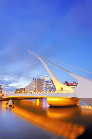 THE SAMUEL BECKETT BRIDGE Stock Photo - 16477108