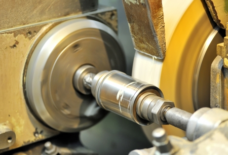machining center: Turning lathe in action