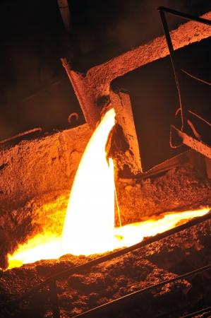 metal casting: Pouring of liquid metal