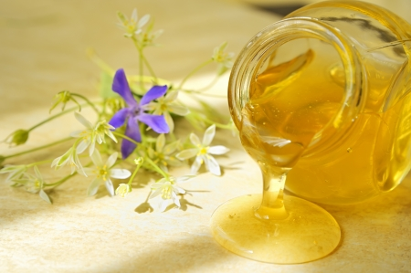 remedy: honey flow  Stock Photo