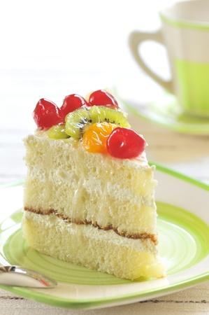trozo de pastel: pedazo de pastel delicioso Foto de archivo