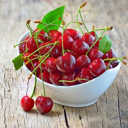 cherry bowl  shoot in studio Stock Photo - 20764469