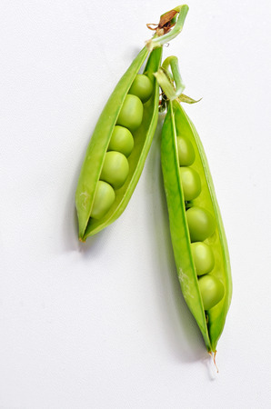 green peas isolated shoot in studio Stock Photo - 23000465