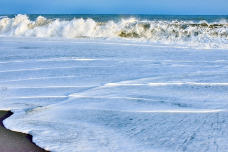 Big waves broken at ocean