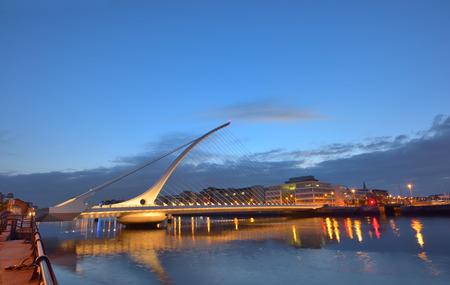 samuel: The Samuel Beckett Bridge in night time