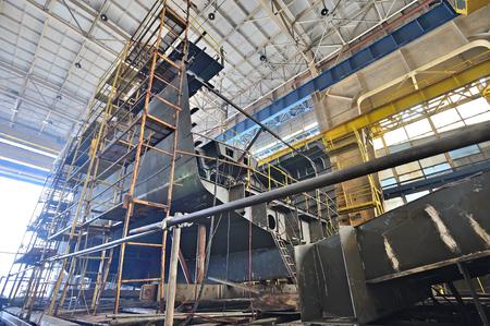 Industriële scheepsbouw binnenkant van werf