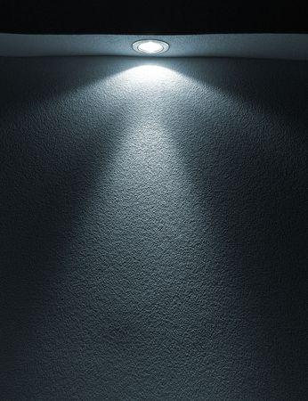 White Light Beam von Projector auf schwarzen Hintergrund